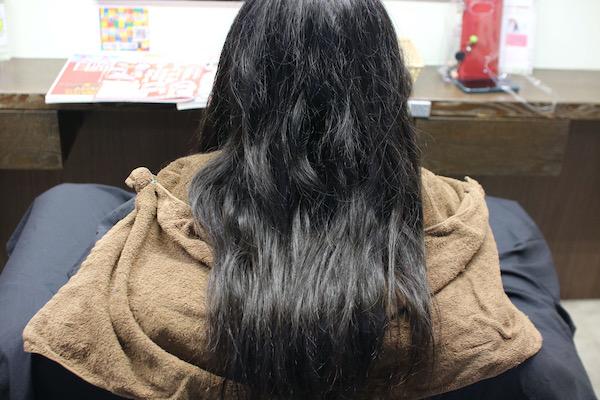 黒髪ビフォア